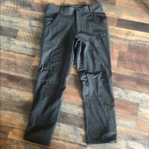 Mountain hardwear pants L (1671)